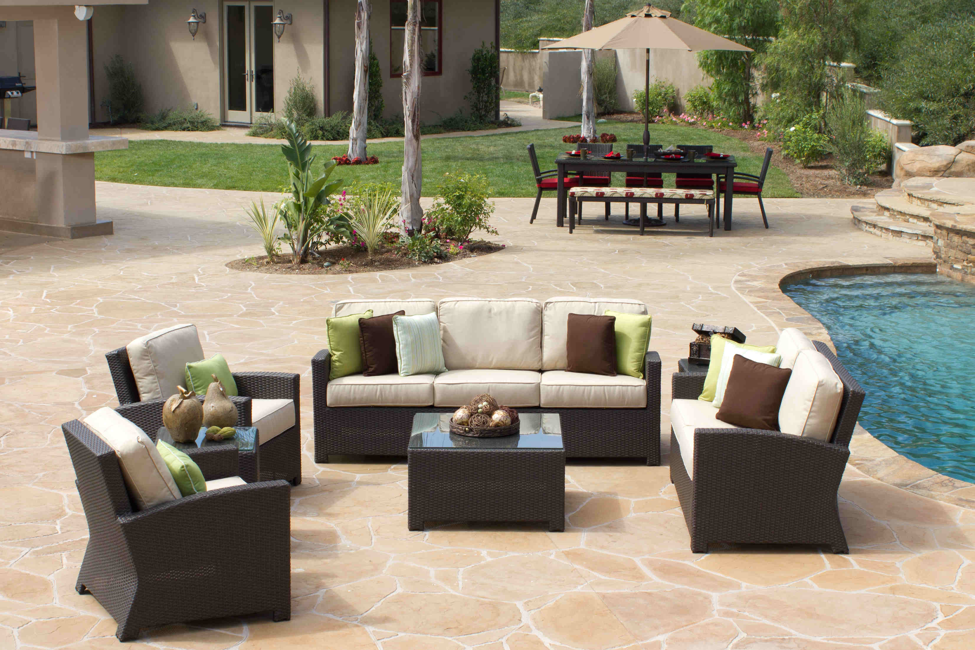 Choosing Your Outdoor Pool Furniture Palm Casual