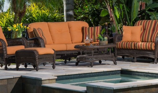 5 Benefits of Customizing Outdoor Furniture